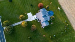 Vu aérienne d'une maison.