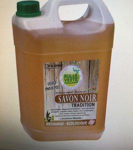 savon noir pour l'entretien d'une terrasse bois