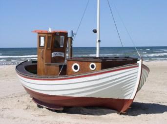 fishing-boat-denmark-beach-sea-86699