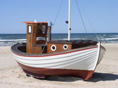fishing-boat-denmark-beach-sea-86699