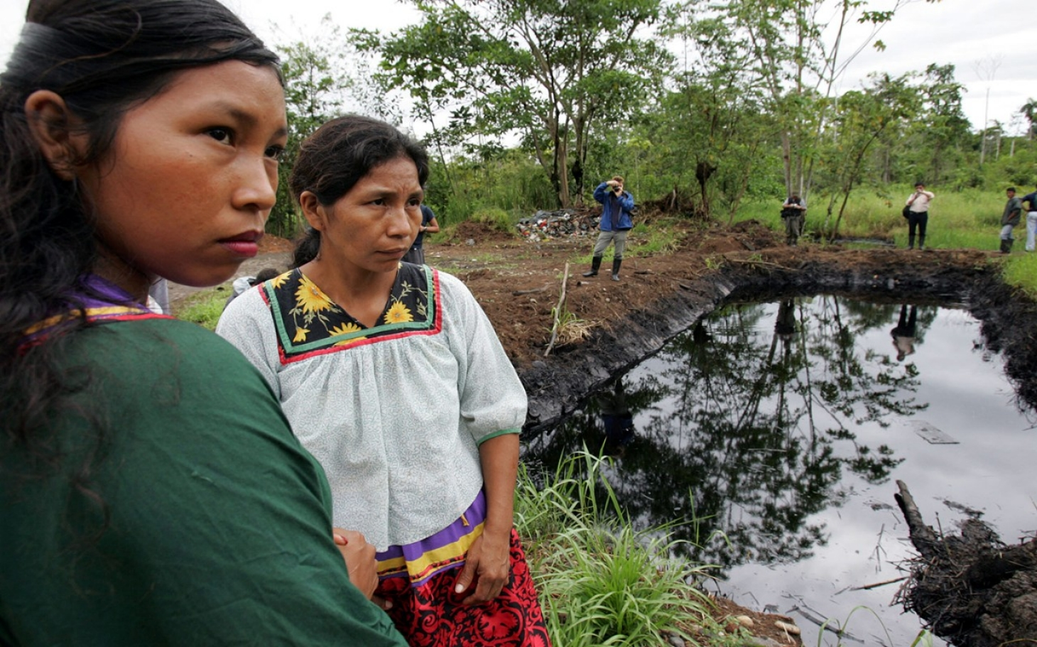 https://i2.wp.com/america.aljazeera.com/content/ajam/articles/2015/9/4/canada-ecuadorians-can-sue-chevron-in-ontario/jcr:content/headlineImage.adapt.1460.high.ecuador_chevron_oil_090415.1441391307985.jpg