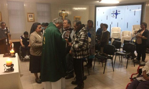 """UNCIÓN DE LOS ENFERMOS EN ALBERGUE """"LA ESPERANZA"""""""