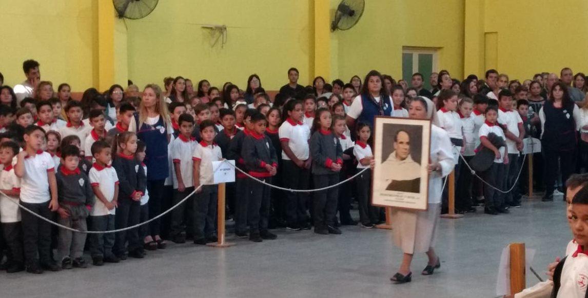 Comienzo de clase en el Colegio Juan XXIII Yocsina