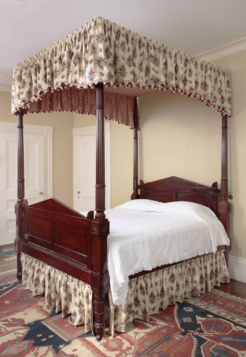 Carved Mahogany Four-Posted Tester Bed Philadelphia, c. 1815.
