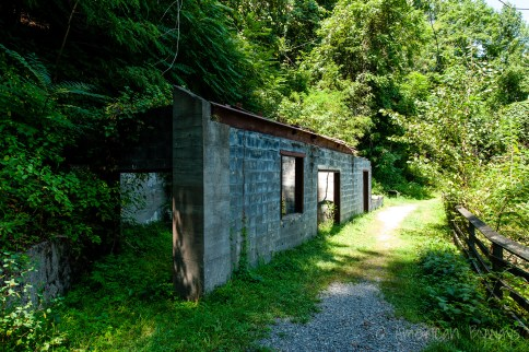 Prior to entering the mine, miners picked up lights at the lamphouse. The lamphouse also housed offices for the mine.