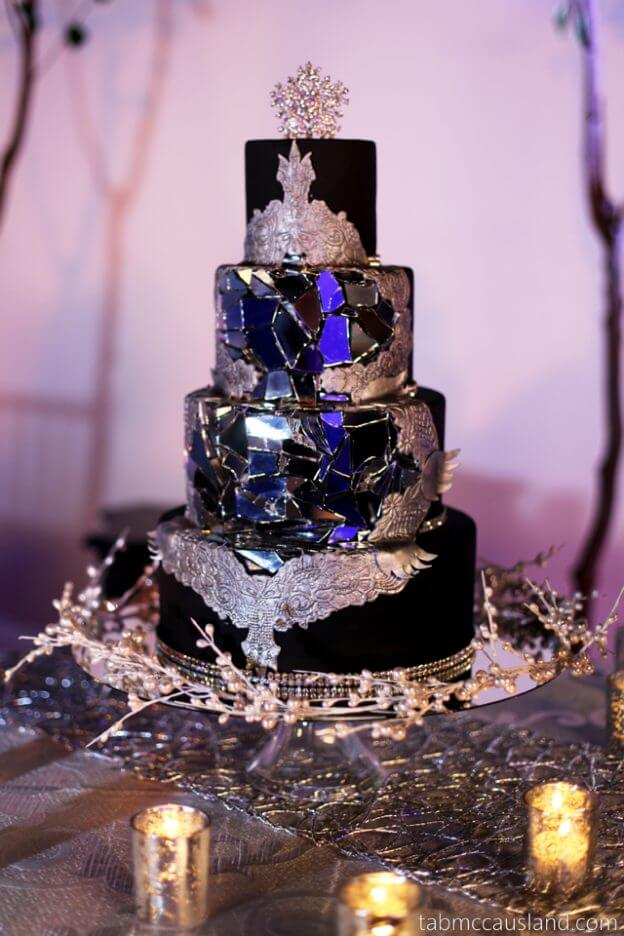 Gorgeously Gothic: The best dramatic wedding cakes