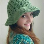 Lazy-Daisy-Floppy-Sun-Hat-free-crochet-pattern-The-Lavender-Chair
