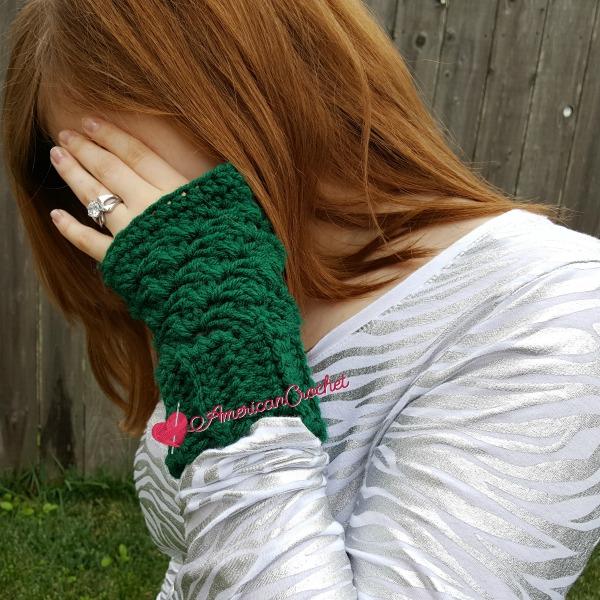 Thermal Fingerless Gloves | Free Crochet Pattern | American Crochet @americancrochet.com #freecrochetpattern