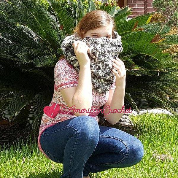Stromy Cowl | Free Crochet Pattern | American Crochet @americancrochet.com #freecrochetpattern