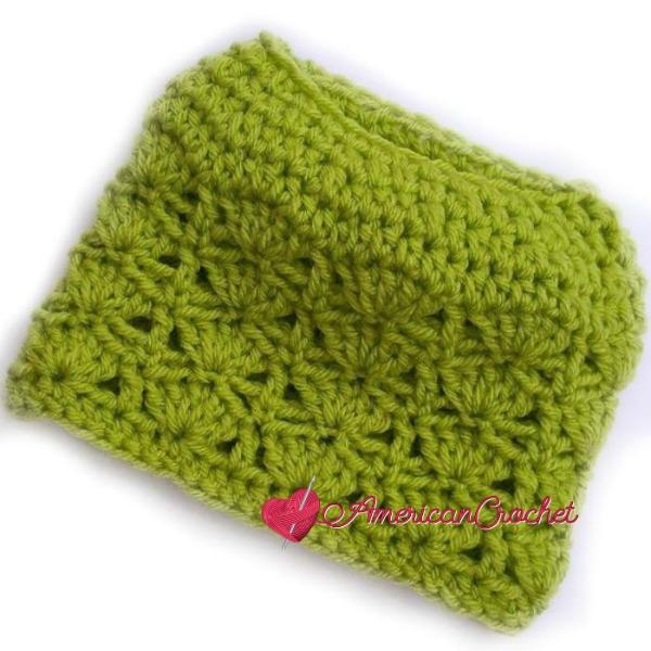 Bonfire Babe Messy Bun Hat | Free Crochet Pattern | American Crochet @americancrochet.com #freecrochetpattern