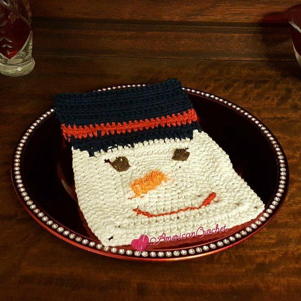 Frosty Dishcloth | Free Crochet Pattern | American Crochet @americancrochet.com #freecrochetpattern