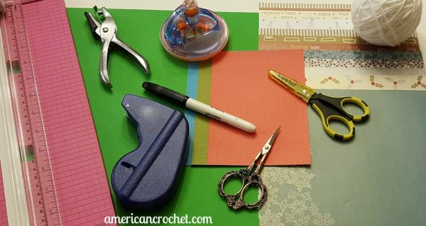 Crafting Holiday Cards | American Crochet | #americancrochet @americancrochet.com #holiday #crafting