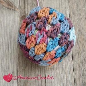 Boho Christmas Bauble | Crochet Pattern | American Crochet @americancrochet.com #bloghop #crochetpattern