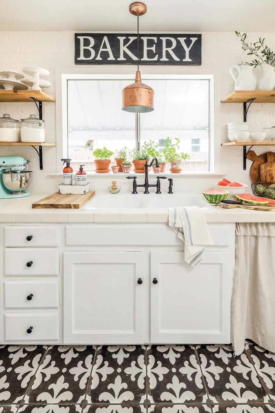 farmhouse kitchen the 5 essentials