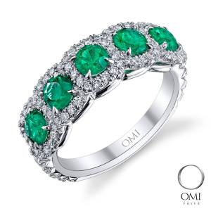 Emerald and diamond ring from Omi Privé