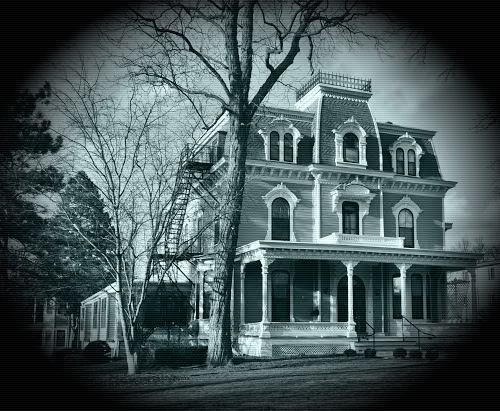 Scary Old Farm House - Iowa City, Iowa