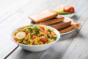 Egg and a bhurji or Spicy scrambled eggs and bread