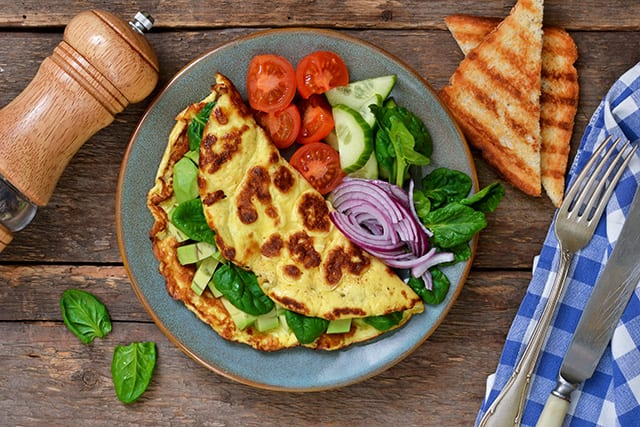 A Griddle Recipe for a Tasty Spinach, Pepper and Cheese Omelet