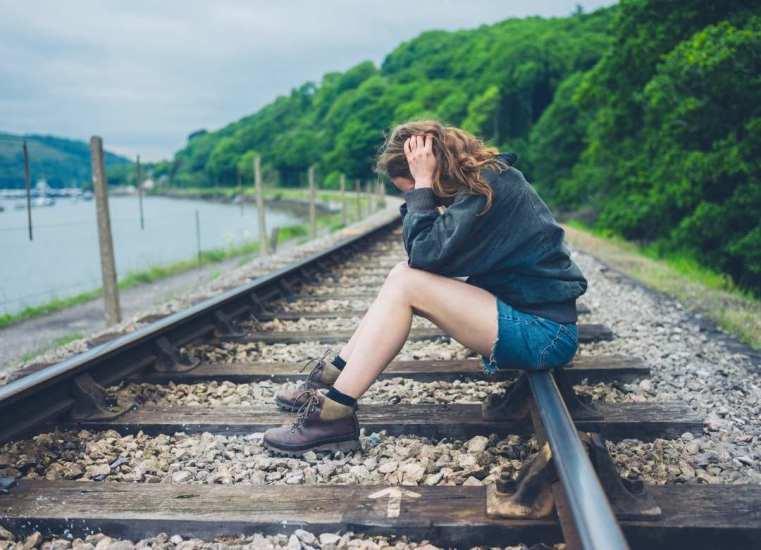 Día Mundial de la Prevención del Suicidio: ¿Por qué los adultos jóvenes se quitan la vida y cómo evitarlo?