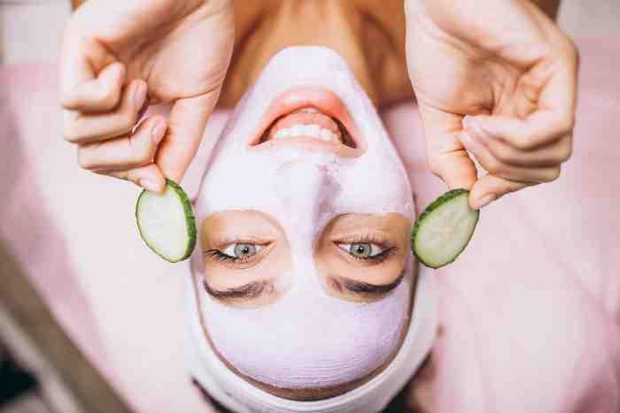 La deshidratación por tomar alcohol afecta mucho a la piel, haciéndote lucir un aspecto más envejecido.
