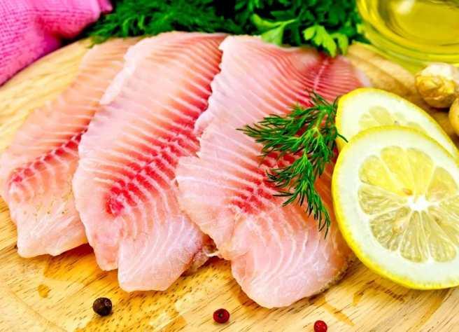 Por su contenido de selenio, vitamina, potasio y fósforo, la tilapia es un pescado saludable que ayuda a prevenir la osteoporosis, ataques al corazón y el riesgo de cáncer.