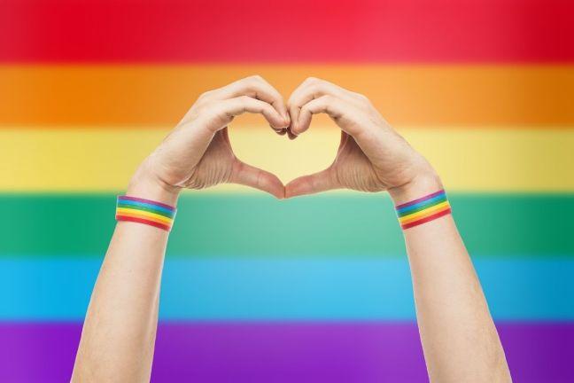 En pleno siglo XXI, la homofobia, las terapias de conversión, la discriminación, la negación de servicios de salud, la estigmatización y los crímenes de odio contra la comunidad LGBT+ deben ser erradicados para siempre.