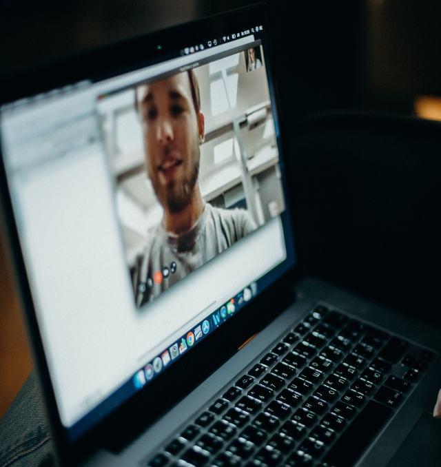 Citas virtuales: 5 razones para buscar el amor en línea