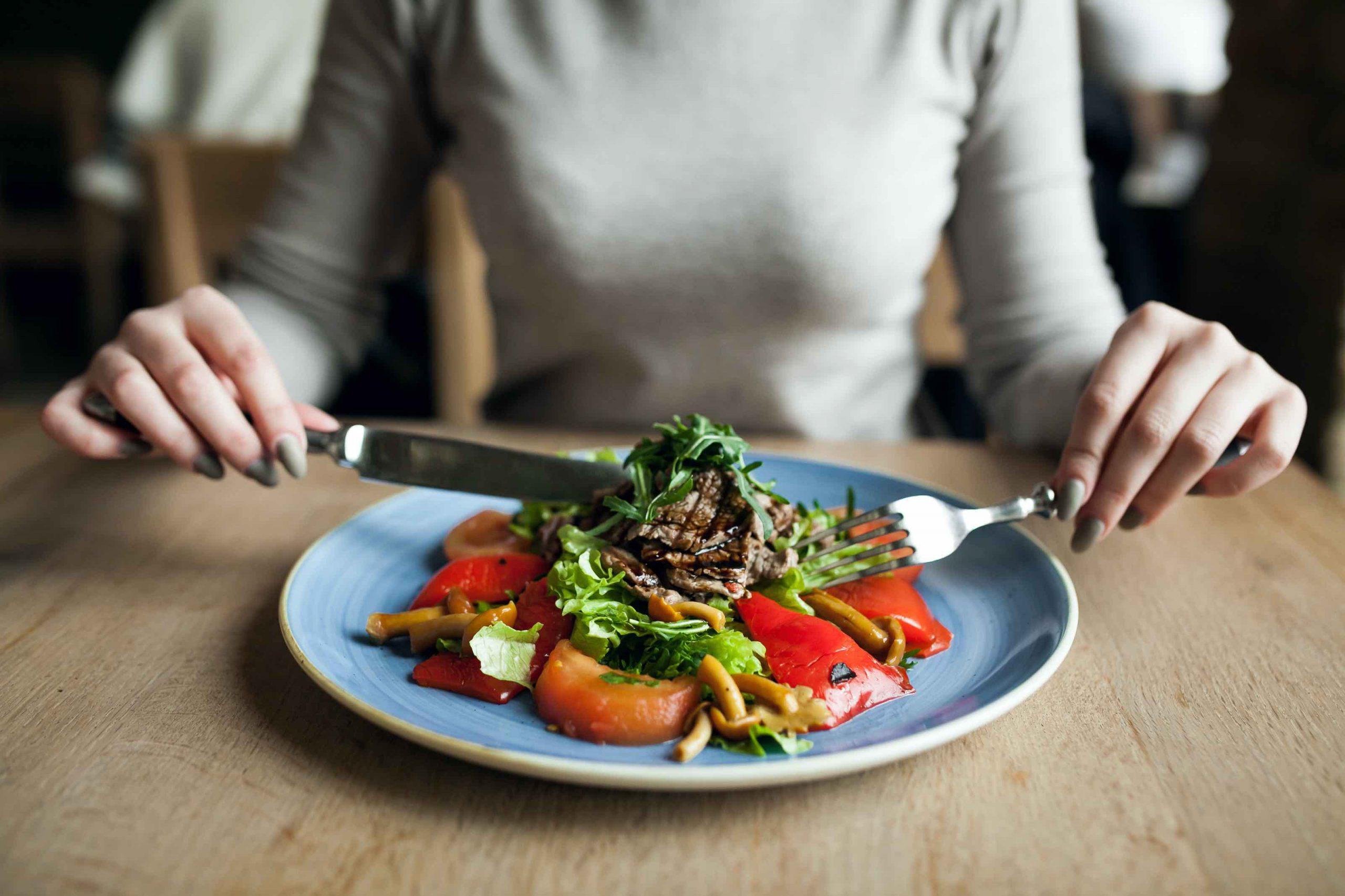 5 ventajas de las dietas altas en proteína y bajas en carbohidratos que quizá desconocías
