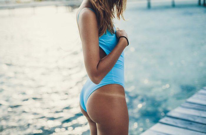 Cómo el sol afecta a los diferentes tipos y tonos de piel y qué hacer para evitarlo