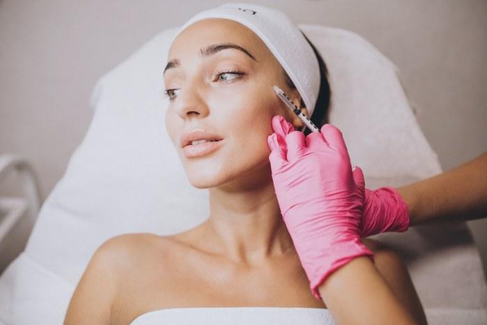 Qué tan efectivo es el ácido hialurónico y cómo usarlo para rejuvenecer tu rostro