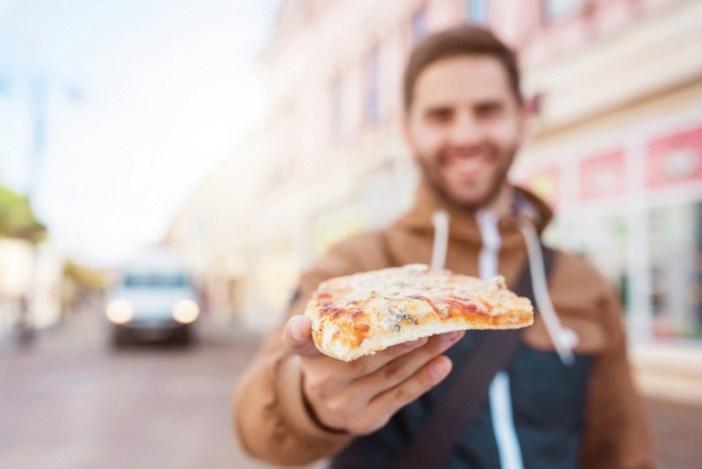 Hombres piensan más en comer y dormir que en sexo, según estudio