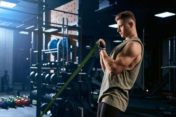 5 Ejercicios para aumentar masa muscular que mejoran tu rendimiento