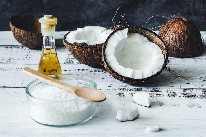 Aceite de coco: pros y contras de usarlo para cocinar, según experto