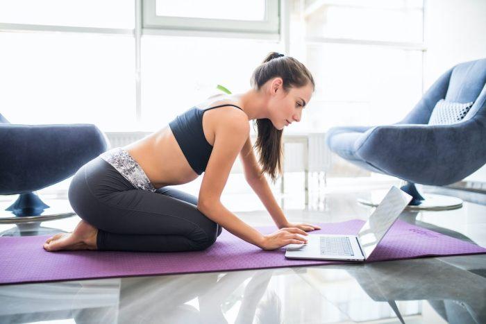 5 Ejercicios para bajar de peso durante el confinamiento que sí funcionan