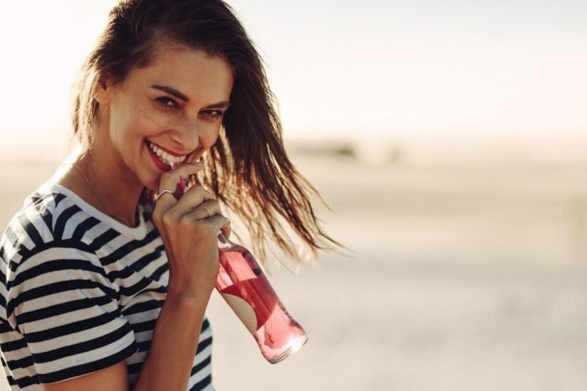 5 Bebidas naturales que te ayudan a bajar de peso y cuidar tu salud