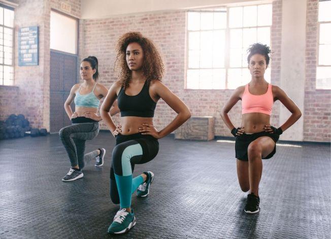 No se trata de pasar horas en el gimnasio o correr muchos kilómetros para bajar de peso. Basta con hacer 30 minutos al día