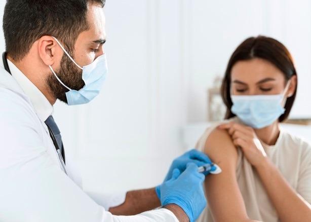 México espera el arribo de seis millones de vacunas AstraZeneca.