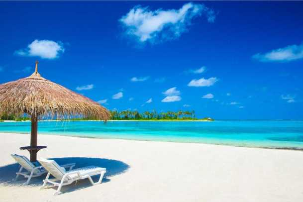 Ir a la playa es una de las mejores opciones para disfrutar las vacaciones de verano más relajantes.