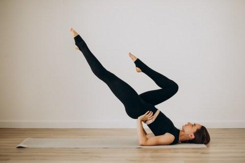 Pilates en casa: 5 ejercicios para fortalecer el core