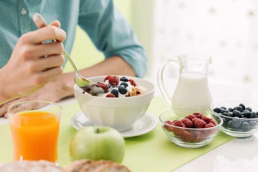 Porqué el desayuno es la comida más importante para bajar de peso