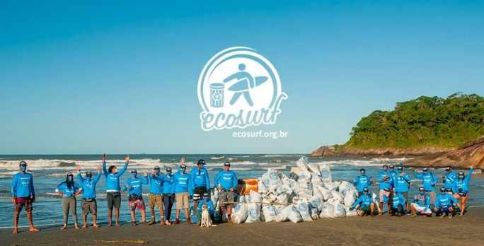 Natura se unió con el Instituto Ecosurf, que contribuye al enfrentamiento de la polución en los océanos, para promover la limpieza de un área de reserva de la costa del litoral de San Pablo.