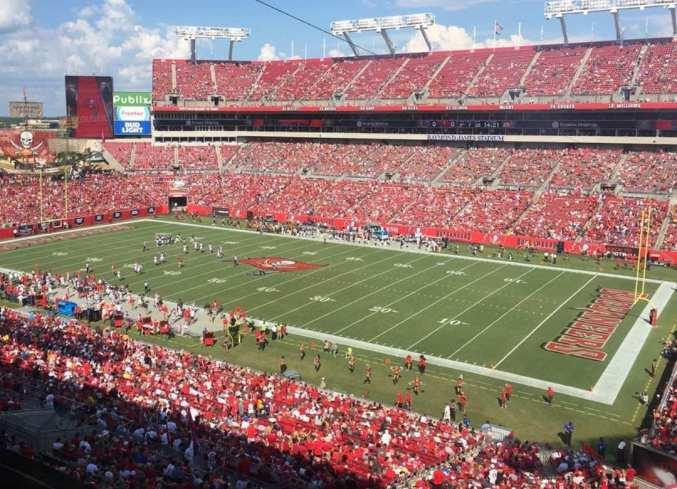 Durante toda la liga, la NFL solicita a los fanáticos que se abstengan a asistir a los partidos si dieron positivo a Covid durante los 14 días previos a los juegos.
