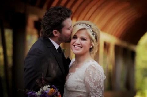 Kelly Clarkson and Brandon Blackstock - Source: Twitter