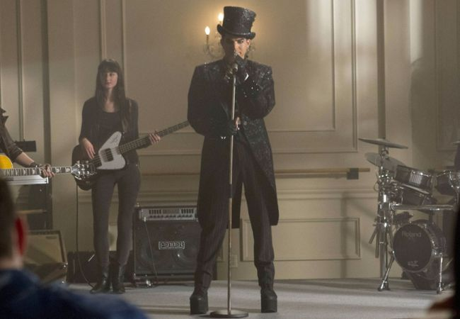 Adam Lambert on Glee as Starchild