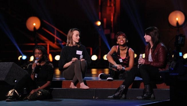 Groups perform in Hollywood Week 06