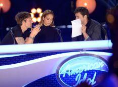 Judges confer on American Idol Season 13