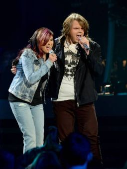 Jessica Meuse and Caleb Johnson duet