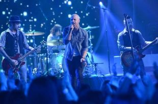 daughtry-performs-idol-2014-01