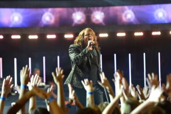 american-idol-2014-finale-04-caleb-johnson