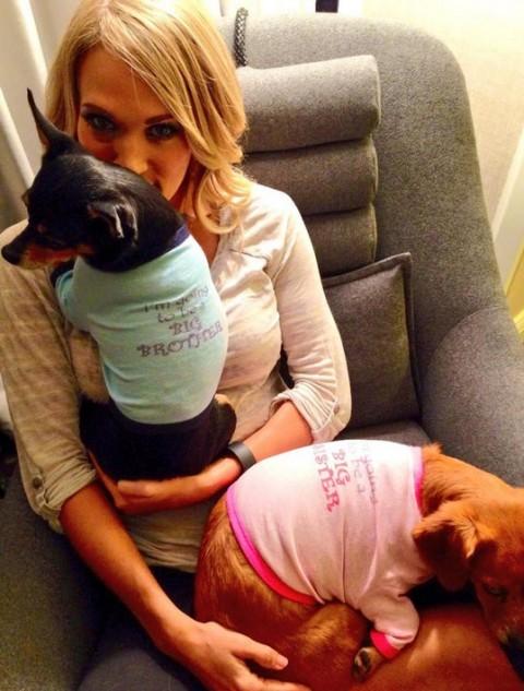 Carrie Underwood (Twitter)